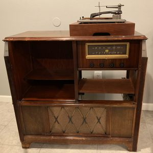 Airline antique radio and record player cabinet for Sale in Phoenix, AZ