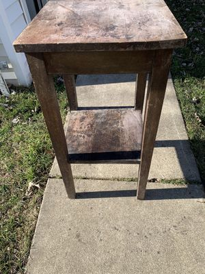 Old farm side table $20 for Sale in Burbank, IL
