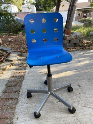 Desk chair for students for Sale in Los Angeles, CA