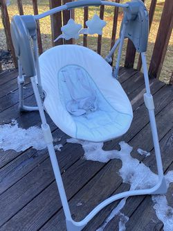 Graco Slim Spaces Compact Baby Swing for Sale in District Heights,  MD