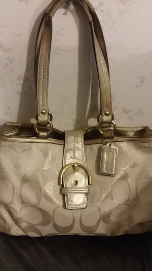 COACH PURSE for Sale in Millersville, MD