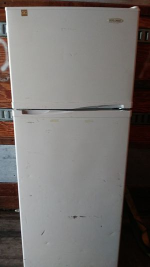Diplomat fridge. Small for Sale in Mulberry, FL
