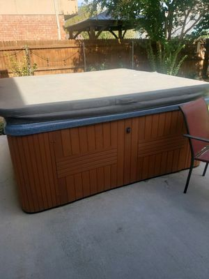 Hot tub seats 7 people for Sale in Euless, TX