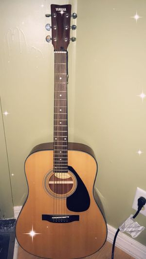 Guitar in good condition for Sale in Dover, DE