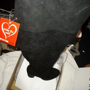 Size 10 Wide Calf Thigh High boots for Sale in Jacksonville, FL