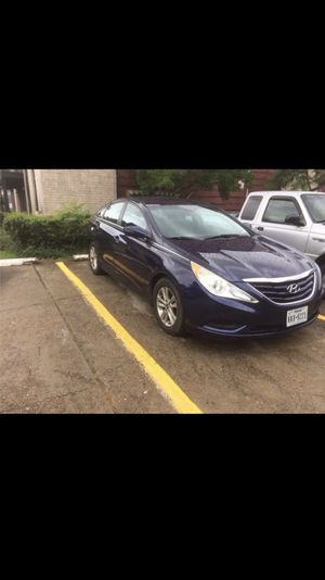 Hyundai Sonata 2012 good condition clean title more information just call me {contact info removed} for Sale in Austin, TX