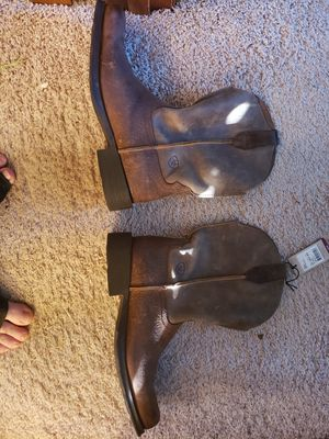 9.5 EE ariat boots for Sale in Warrensburg, IL