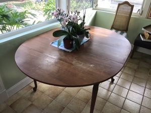 Antique Gorgeous Statton DINING TABLE- not made in China! for Sale in West Palm Beach, FL