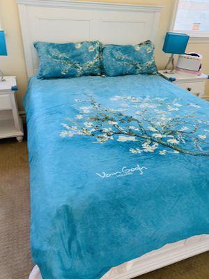 Queen bed for Sale in Pasadena, CA