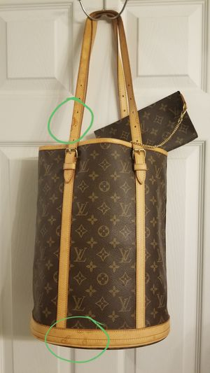 Mint Louis Vuitton 2 Pc Set GM Large Bucket Tote Bag + Pouch Wallet Authentic Orig$1745+Tax for Sale in Carmel, IN