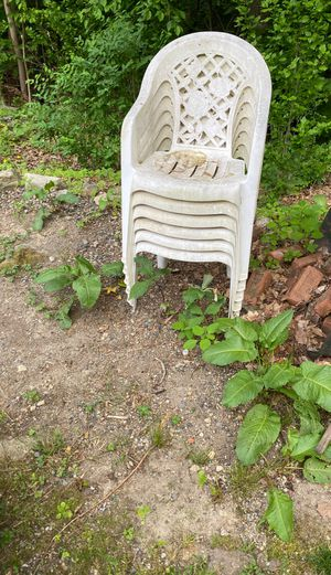 6 plastic chairs for Sale in Scituate, RI