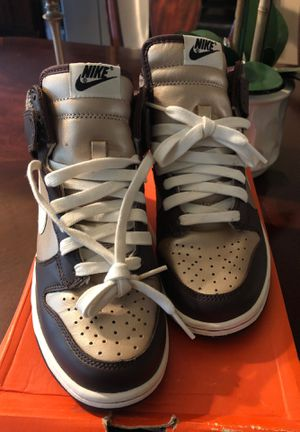 Nike dunk premium size 6.5 woman for Sale in Miami, FL