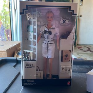 1999 Classic Sees Barbie Mint Condition With Order Form & shopping Bag for Sale in Santee, CA