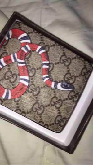 Gucci wallet for Sale in Saint Charles, MO