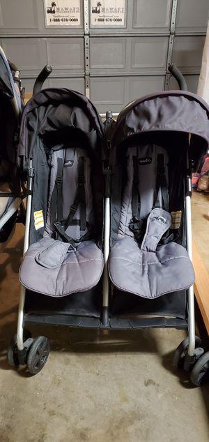 Double side by side stroller for Sale in Kapolei, HI