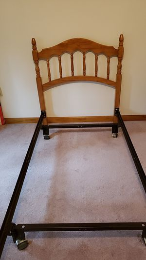Twin bed frame with headboard for Sale in ROARING BK TP, PA