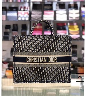 Christian Dior Bag for Sale in Stone Mountain, GA