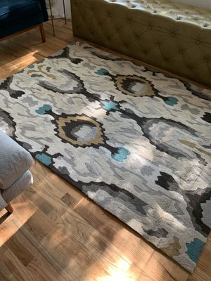 HAND TUFTED 5x7 ABSTRACT AREA RUG - AUSTELL AREA for Sale in Austell, GA