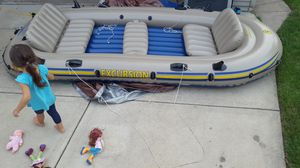 Intex Excursion 5, 5 person inflatable boat, with trolling motor mount kit and Minn Kota trolling motor for Sale in Franklin Park, IL