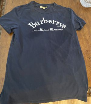 Burberry T shirt (authentic) for Sale in Scottsdale, AZ