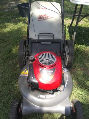 Craftsman push mower 21 inch cut 6.5 horsepower for Sale in Newport News, VA