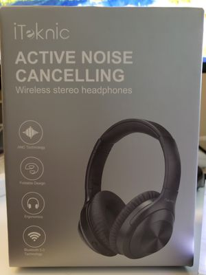 Noise Cancelling headphones earbuds for Sale in Coconut Creek, FL