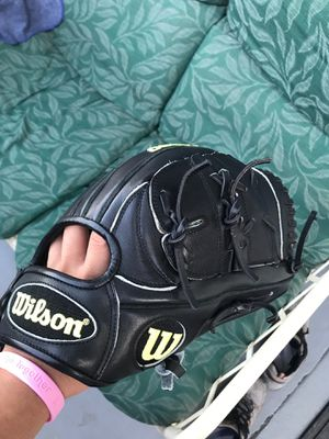 Wilson A2000 CK22 11.75 Baseball Glove for Sale in Cypress, CA