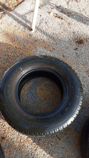2 Goodyear LT245/75R16 for Sale in Haines City, FL