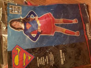 Medium size supergirl halloween costume for Sale in Philadelphia, PA