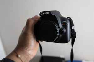 Canon Rebel t6 (Body Only) for Sale in Trenton, NJ