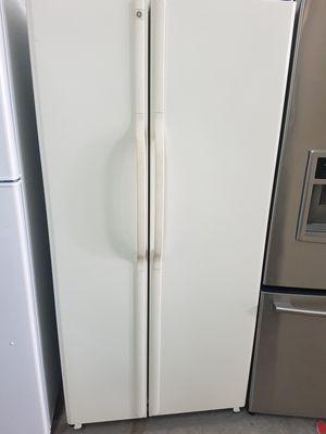 33 wide refrigerator for Sale in Miami, FL