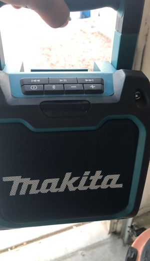 Makita Bluetooth and battery for Sale in Las Vegas, NV