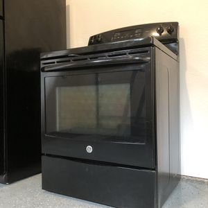 GE Stove/Oven for Sale in Duvall, WA