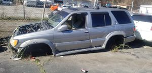1999 Infiniti QX 4 FOR PARTS ONLY for Sale in Atlanta, GA