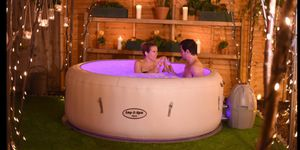 Jacuzzi inflatable hot tub for Sale in Moreno Valley, CA