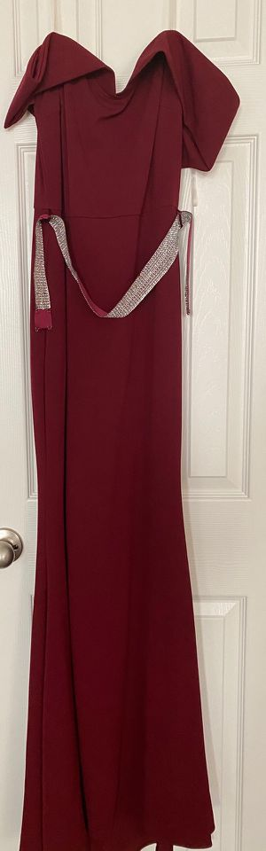 Bridesmaid Dress - medium for Sale in Palmdale, CA