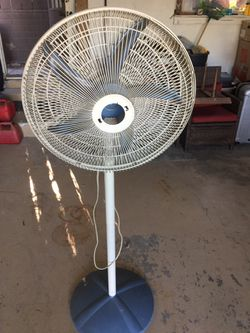 Oscillating fan for Sale in Spring Valley,  CA
