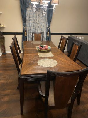 Dinning table for Sale in Cary, NC