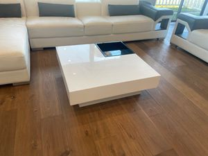 White modern coffee table for Sale in San Carlos, CA