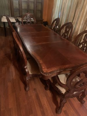 Dining room table for Sale in Newark, NJ