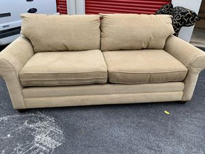 Beautiful 3 Seat Sofa By Basset Furniture Excellent Condition Tan for Sale in Gaithersburg, MD