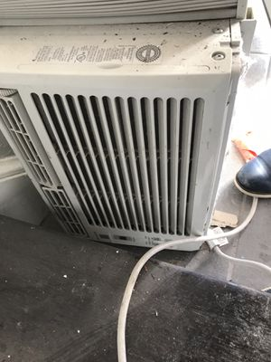 AC Window unit with remote for Sale in Washington, DC