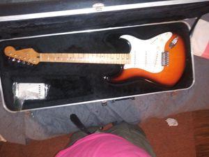 Fender mim 1999 strat sunburst for Sale in Plainfield, NJ