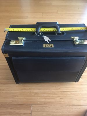 Travel case with roller for Sale in Elk Grove, CA