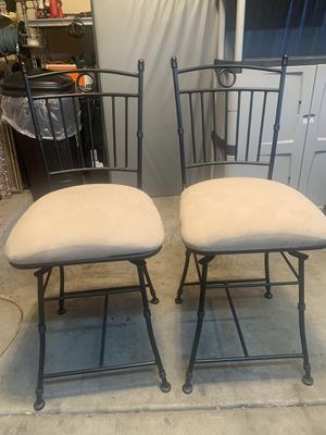 Swivel Bar stools 38 imches tall for Sale in Glendale, AZ