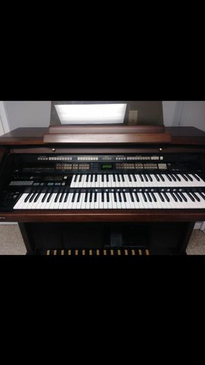 Roland AT-90 Organ + Beautiful Storage Bench! for Sale in Pinellas Park, FL