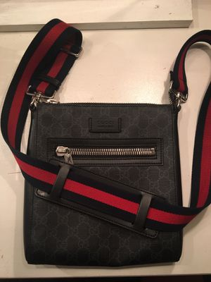 Gucci small messenger bag for Sale in Glendale, AZ