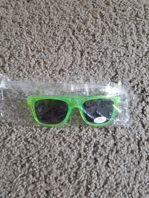 Nwt neon sunglasses for Sale in Sherwood, OR