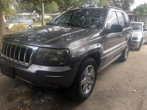 2004 Jeep Grand Cherokee Overland edition-low miles for Sale in Clearwater, FL