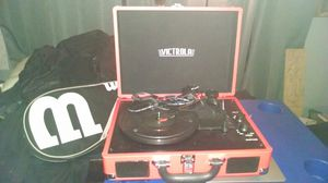 Mini turntable with built-in speakers and RCA jack for Sale in Columbus, OH